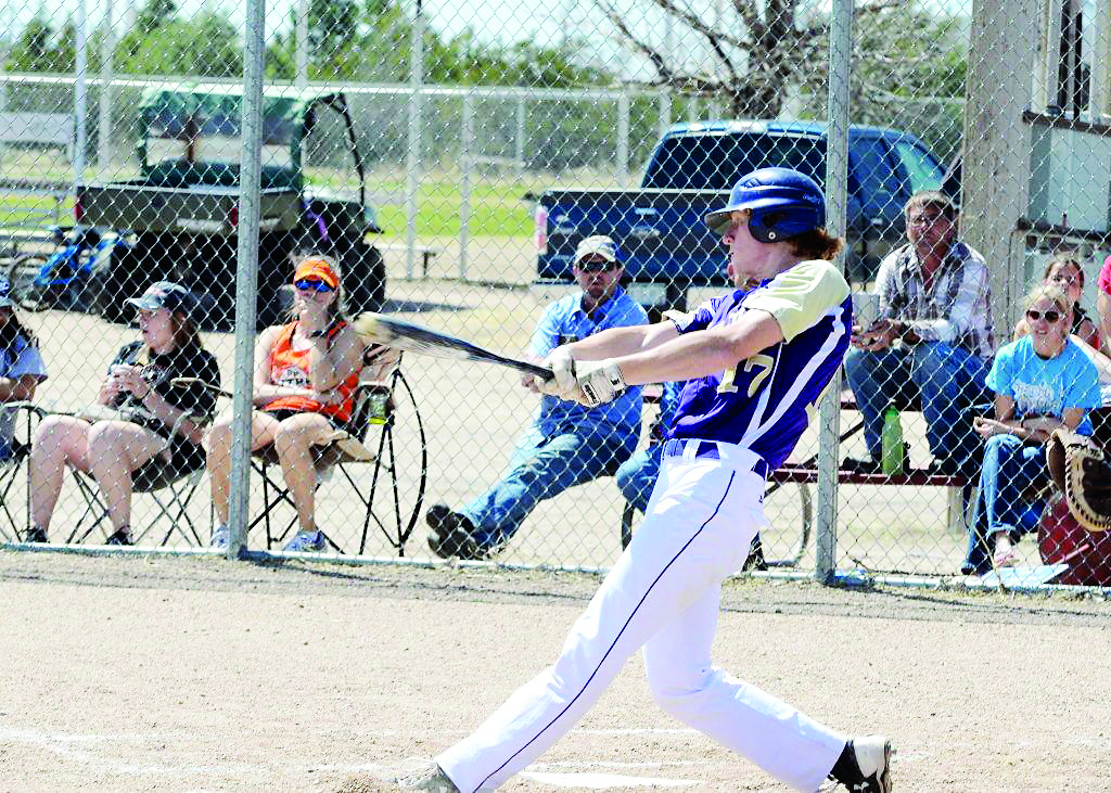 Kit Carson's Jaxon Crawford hitting a double